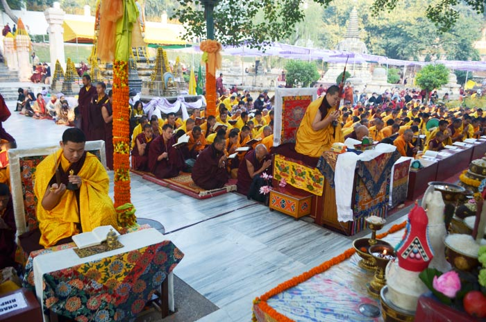 Once again this year, many Rinpoches and lamas have assembled at the sacred place of Bodhgaya to join His Holiness Gyalwa Karmapa in the aspiration prayers for the benefit of all beings and for world peace. His Eminence Jamgon Kongtrul Rinpoche holds a supreme position among them. Photo/Magda Jungowska