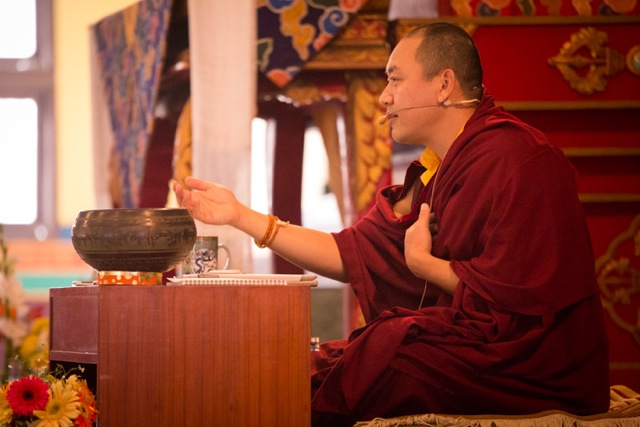 Ven. Dubsing Rinpoche gives instructions on the lo dog nam zhi (the four reflections that turn the mind away from samsara and towards enlightenment)