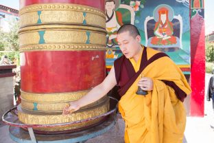 Thaye Dorje, his Holiness the 17th Gyalwa Karmapa, blessing the shrines and statues of Karma Dubgyud Choeling Monastery. Photo / Magda Jungowska