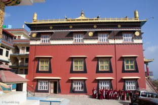 Samten Phuntsok Ling, Tharig Rinpoche's monastery from the Sakya Tradition, in Pharping