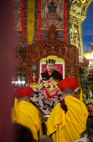 Thaye Dorje, His Holiness the 17th Gyalwa Karmapa, gives a Chenresig empowerment at the KIBI Public Course