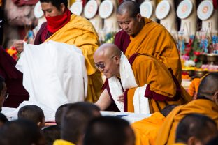 On day four of the 2019 Kagyu Monlam, Thaye Dorje, His Holiness the 17th Gyalwa Karmapa, visited the private residence of His Eminence Luding Khenchen Rinpoche (Photo/Norbu Zangpo)