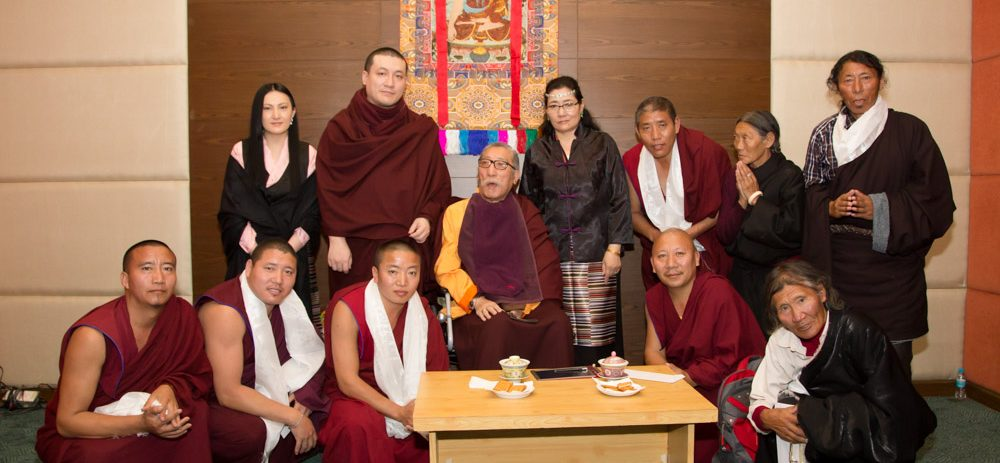 Friends and family from Mipham Rinpoche's home in Tibet come to Bodh Gaya for a meeting with Thaye Dorje, His Holiness the 17th Gyalwa Karmapa, and Sangyumla
