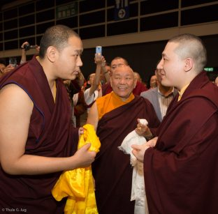 His Eminence 4th Jamgon Kongtrul Rinpoche greets Thaye Dorje, His Holiness the 17th Gyalwa Karmapa