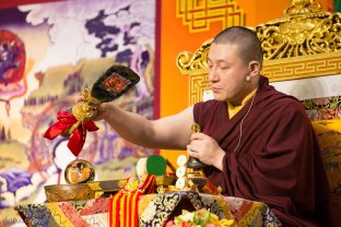 Thaye Dorje, His Holiness the 17th Gyalwa Karmapa, gives a Chenresig empowerment to around 2,000 people in Hong Kong