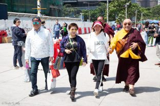 His Eminence Beru Khyentse Rinpoche attends a traditional fish release ceremony in Hong Kong