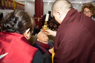 Karmapa blesses Master Shiah