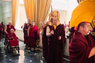 Thaye Dorje, His Holiness the 17th Gyalwa Karmapa, leads the way as His Eminence Luding Khenchen Rinpoche departs the Karmapa International Buddhist Institute (KIBI), following the hair-cutting ceremony of Thugsey