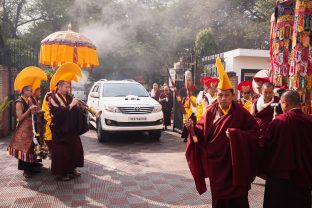 His Eminence Luding Khenchen Rinpoche, the 75th head of the Ngor tradition of the Sakya school of Tibetan Buddhism, arrives at Karmapa International Buddhist Institute (KIBI), New Delhi