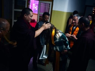 On day four of the 2019 Kagyu Monlam, Thaye Dorje, His Holiness the 17th Gyalwa Karmapa, visited the private residence of His Eminence Luding Khenchen Rinpoche (Photo/Tokpa Korlo)