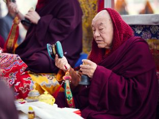 Thaye Dorje, His Holiness the 17th Gyalwa Karmapa, presides over aspiration prayers on the final day of the 2019 Kagyu Monlam, Bodh Gaya, India. Photo / Tokpa Korlo
