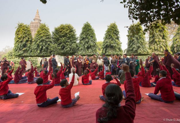 Schoolchildren from the Bodhi Tree Educational Centre with Thaye Dorje, His Holiness the 17th Gyalwa Karmapa