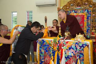 Thaye Dorje, His Holiness the 17th Gyalwa Karmapa, is welcomed to the new Kuching Karma Kagyu Dharma Society Buddhist Centre