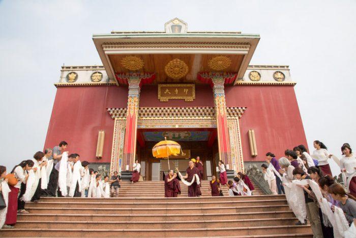 Thaye Dorje, His Holiness the 17th Gyalwa Karmapa, departs from the Karma Kagyu Monastery. Photo / Thule Jug