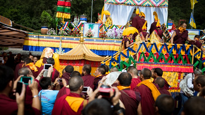 The kudung of Shamar Rinpoche being taken to the cremation stupa. Photo/Tokpa Korlo